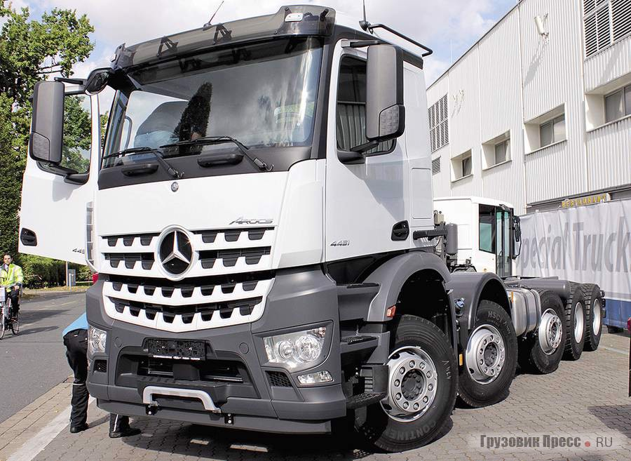 Paul Mercedes-Benz Arocs 4151 10x4/6