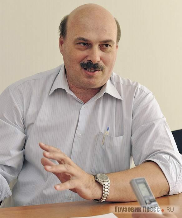 Руководитель Центра компетенции «Испытания» «Группы ГАЗ» Дмитрий Юрьевич Петров в начале 1990-х проводил испытания «полуторки»