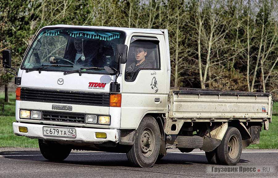 В префектурах ещё попадаются Mazda Titan III поколения (1989–2000 гг.)