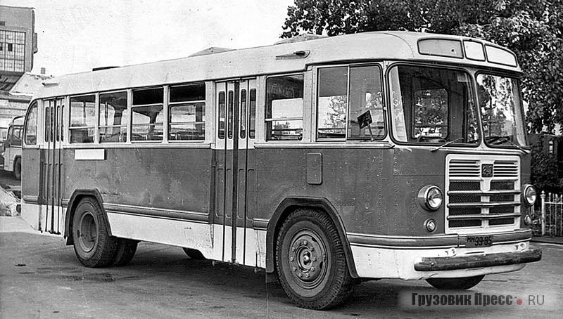 ЗИЛ-158. 1957 г.
