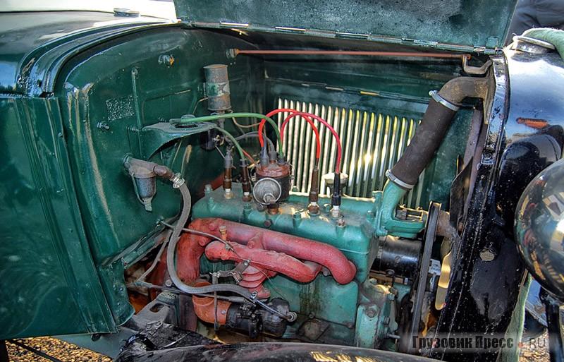 Обслуживание мотора не вызовет трудностей, компоновка моторного отсека  совсем неплотная