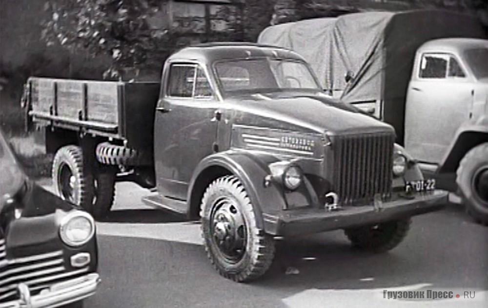 Пятый опытный экземпляр на показе в Кремле 19.04.1945 г.