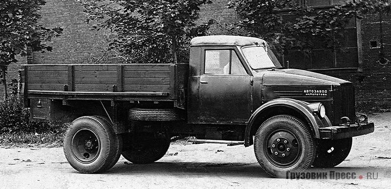Эталонный экземпляр ГАЗ-51 с деревянной кабиной, 1945 г.