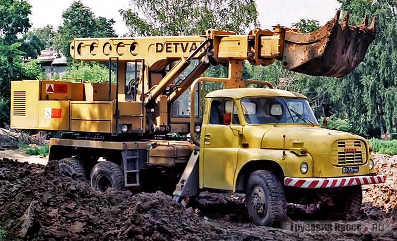 Автомобиль экскаватор-планировщик УДС-110 на шасси Т2-148 по прозвищу «золотая ручка». Горький, середина 1980-х