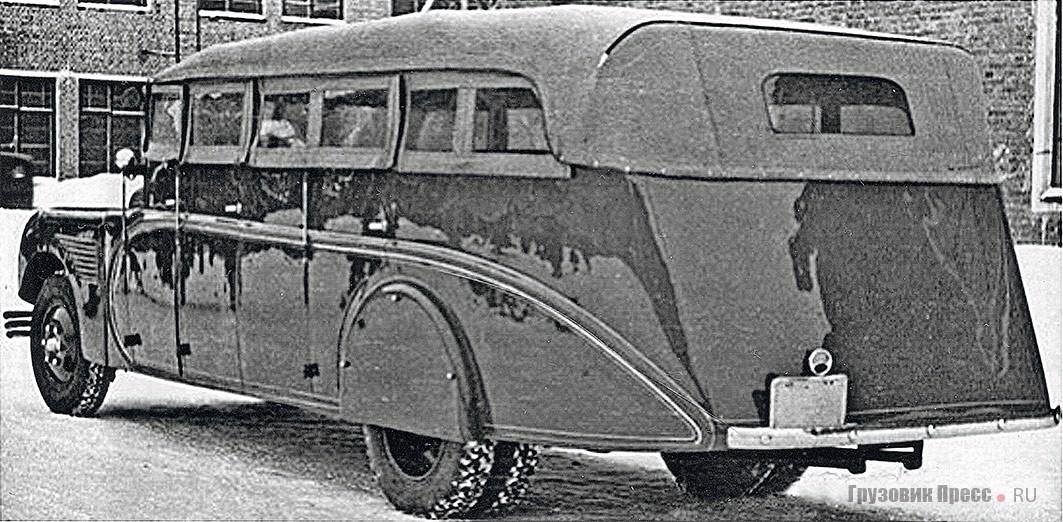 Автобус НАТИ на шасси ЗИС-8 в обтекаемом кузове со съёмным верхом. Вид слева сзади. Москва, территория НАТИ, февраль 1935 г.