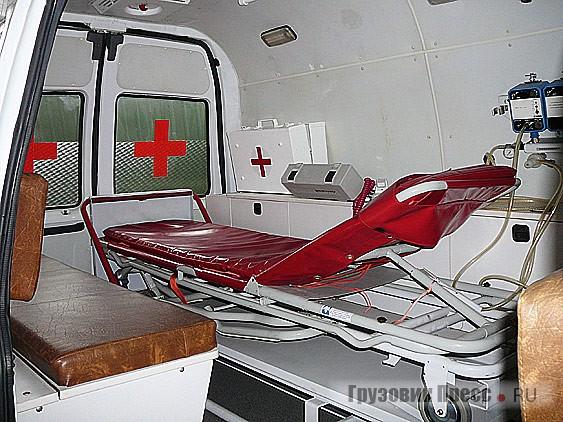 УАЗ-27722 – это попытка заинтересовать проектом мини-вэна медиков и спасательные службы. До сих пор в нашей стране не хватает именно таких автомобилей! Но несмотря на востребованность такой продукции освоить ее производство в одиночку Ульяновский автозавод не в состоянии. Необходима государственная поддержка!
