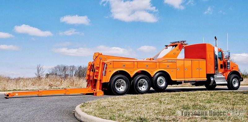 Jerr-Dan выпускает широкий спектр автоэвакуаторов от малотоннажных полупогрузов до таких вот тяжёлых 35-тонных спецмашин