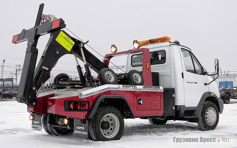 Многофункциональное заокеанское оборудование приглянулось нижегородской компании «Сарус», которая одна из первых в России решилась совместить американскую спецнадстройку с шасси российского грузовика