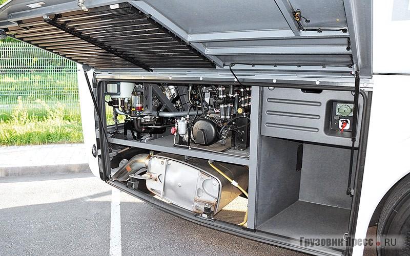 Конвекторное отопление салона обеспечивает Spheros Thermo 350
