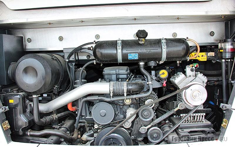 Двигатель DC 13(400 л.с., 2100 Нм) с раздельными головками цилиндров