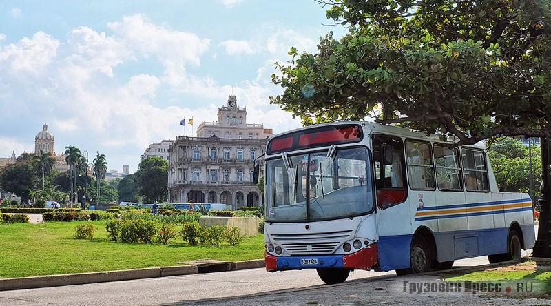 Городской Busscar UrbanusS из парка Empresa Omnibus, переделанный в полугрузовой автобус