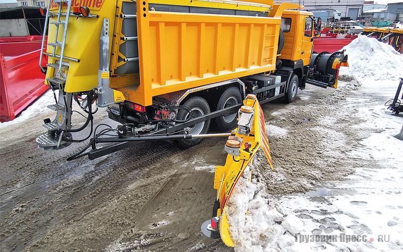 Зона очистки при работе с обоими отвалами составляет 6,58 м