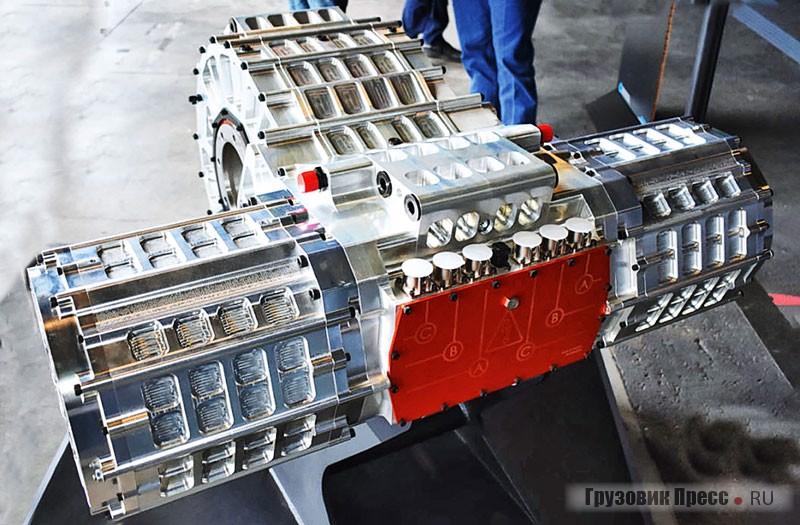 Два разнесённых тяговых электродвигателя передают крутящий момент на центральный многоступенчатый редуктор, который выполняет роль коробки передач. От этой КП уже приводятся валы колёс Nikola Two
