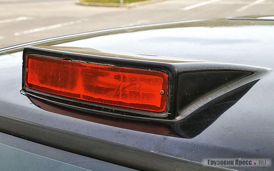 «Гребешок» со световым сигналом такси на крыше