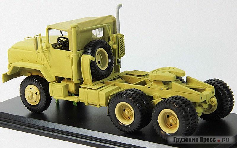 Тяжёлый военный тягач AM GENERAL M932A2