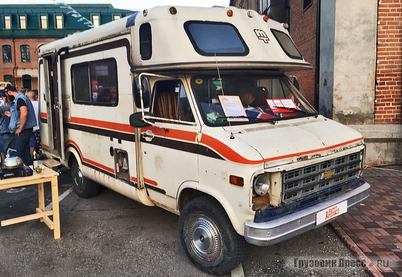 Моторхоум Chevrolet Chevy Van G30 5.7 AT с кузовом Mobile Traveler Inc.