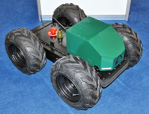 Дистанционно-управляемый робот «ОРКА» создан в инициативном порядке участниками состязаний роботов