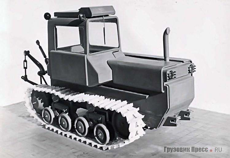 Масштабные макеты (М1:5) для Харьковского тракторного завода. Дизайнер – В.С. Кобылинский