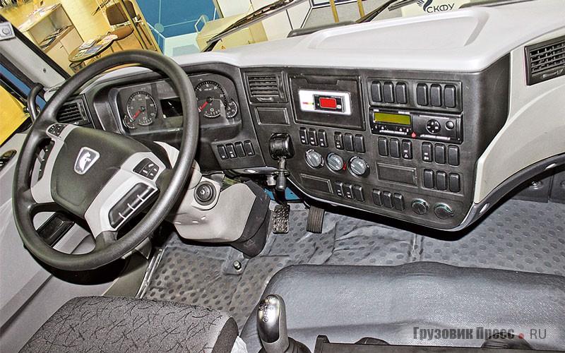 КАМАЗ-65119-0007915-5F (К3340) 8х6