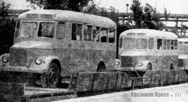 1967 г. Отгрузка готовых автобусов АП-19 потребителям. Щёкинские «коробочки» легко отличить от настоящих ГЗА, ПАЗов и КАвЗов по ветровому остеклению, в котором применялись только плоские стекла, и маршрутоуказателю