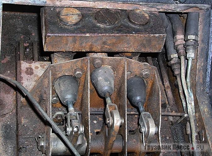 Педальный узел на салазках