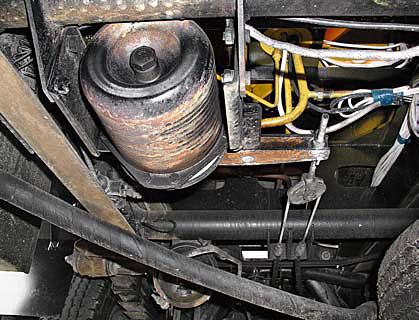Привод стояночного тормоза: энергоаккумулятор и трос