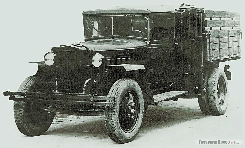 Тыловые полуторки из-за дефицита бензина работали в основном на древесных чурках – ГАЗ-42МВ. 1943–1945 гг.