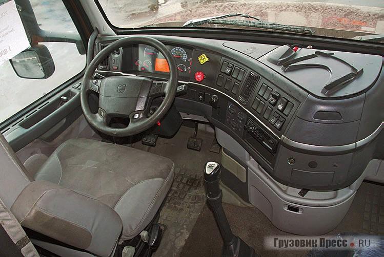Панель Volvo, наоборот, мало чем отличается от европейской версии