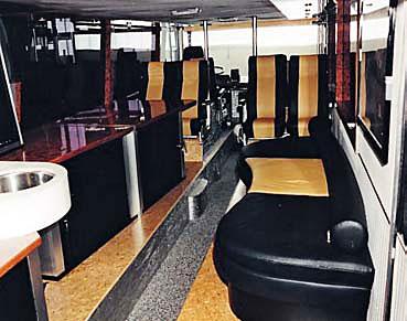 Легендарный Der Bus и его интерьер
