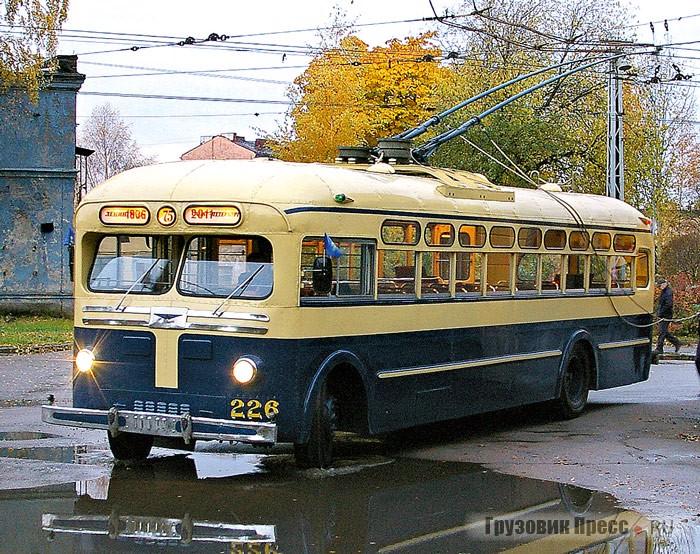 МТБ-82Д, образец 1947 г., один из самых лучших, восстановленных в мире. По степени достоверности может сравниться лишь с аналогичным троллейбусом в городе Кирове