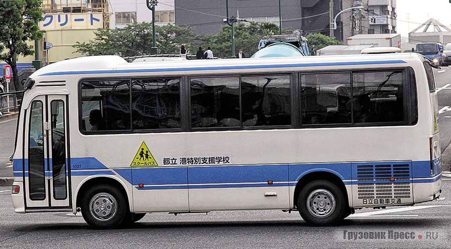 Турист Hino Liesse PB-RX6JFAA очень похож на младшего брата