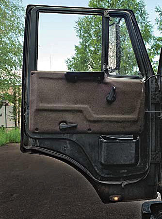 Ящик между сиденьями камаз своими руками